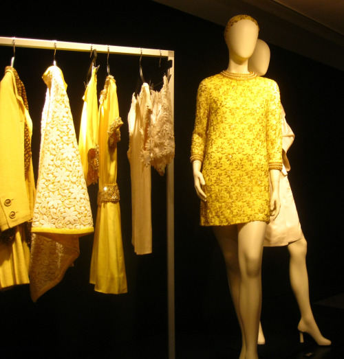 elizabeth-taylor-yellow-dress